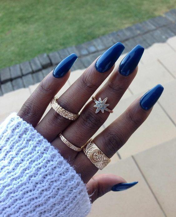 Ringset, bagues, femme noire, nail art