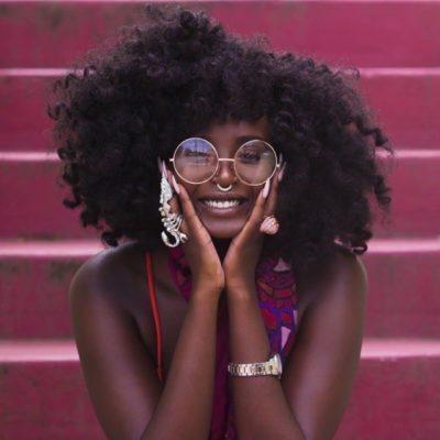 accessoires, femme noire, lunettes