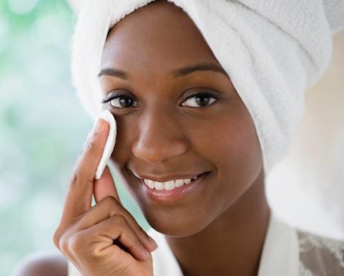 femme noire soin visage