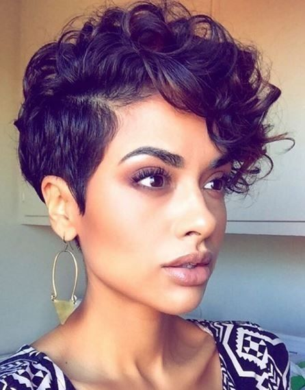 Coupe cheveux court femme metisse
