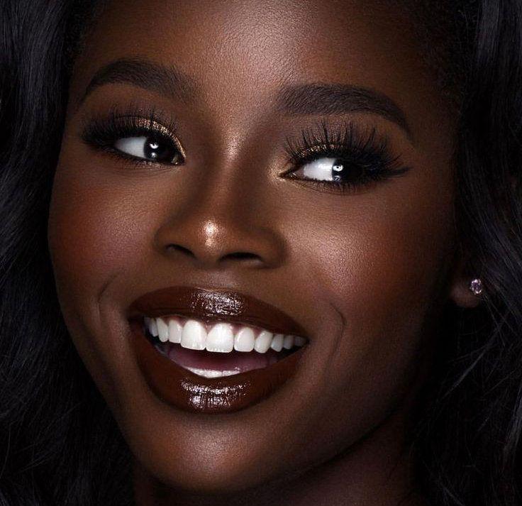 10 Pansy Black Beauty: La Poudre à Lèvres, Nouvelle Tendance Incontournable