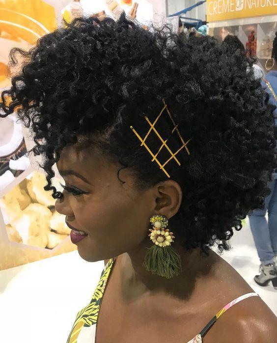 envie de pep 39 s essayez ces coiffures ma coiffeuse afro. Black Bedroom Furniture Sets. Home Design Ideas
